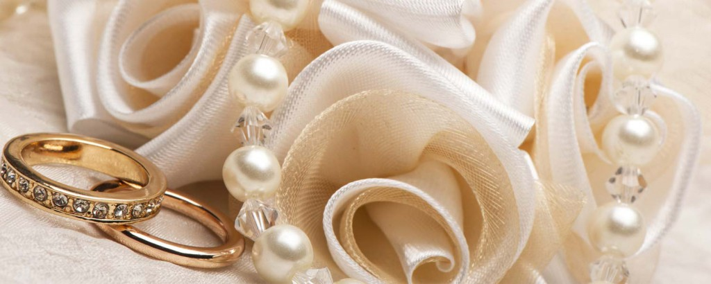 Wedding rings and pearls